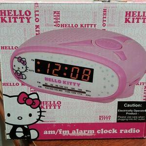 Hello Kitty Am/Fm Alarm Clock Radio